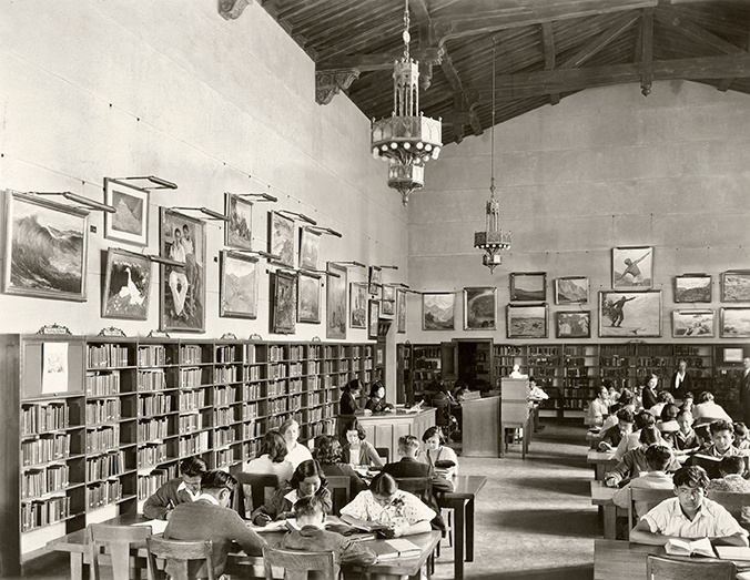 Gardena-High-School-library-with-Purchase-Prize-Exhibit-on-display,-1933-web.jpg